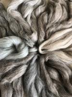 australische merinowolle kammzug tierische fasern das wollschaf nat rlich kreativ. Black Bedroom Furniture Sets. Home Design Ideas
